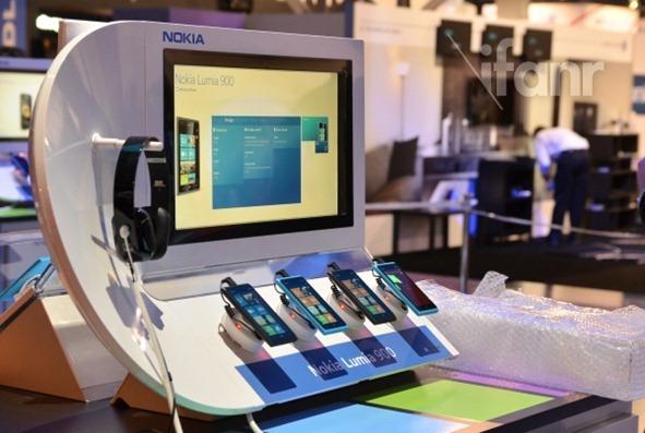 Lumia 900 at CES 2011