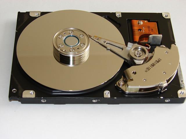hard-disk-drive-838665_640.jpg