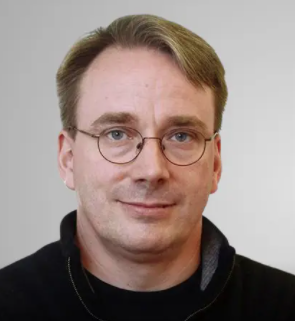由 Linus Torvalds 等国际开源超星星担当出品人的峰会